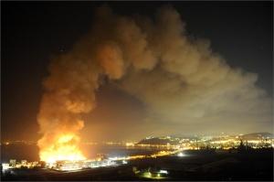 Napoli e la Città della Scienza in fiamme - foto©ANSA