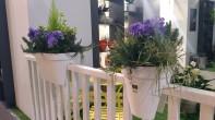 """vasi """"incastrati"""" nel balcone"""